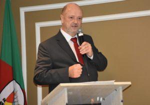 Calixto Wenzel toma posse como presidente do Sindiregis para o triênio 2019/2022