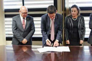 TJ/RS: Tribunal assina Acordo de Cooperação com Registradores de Imóveis