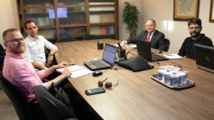 Colégio Registral do RS e IRIRGS abordam finalização da Central de Registro de Imóveis do RS em reunião com Sky Informática