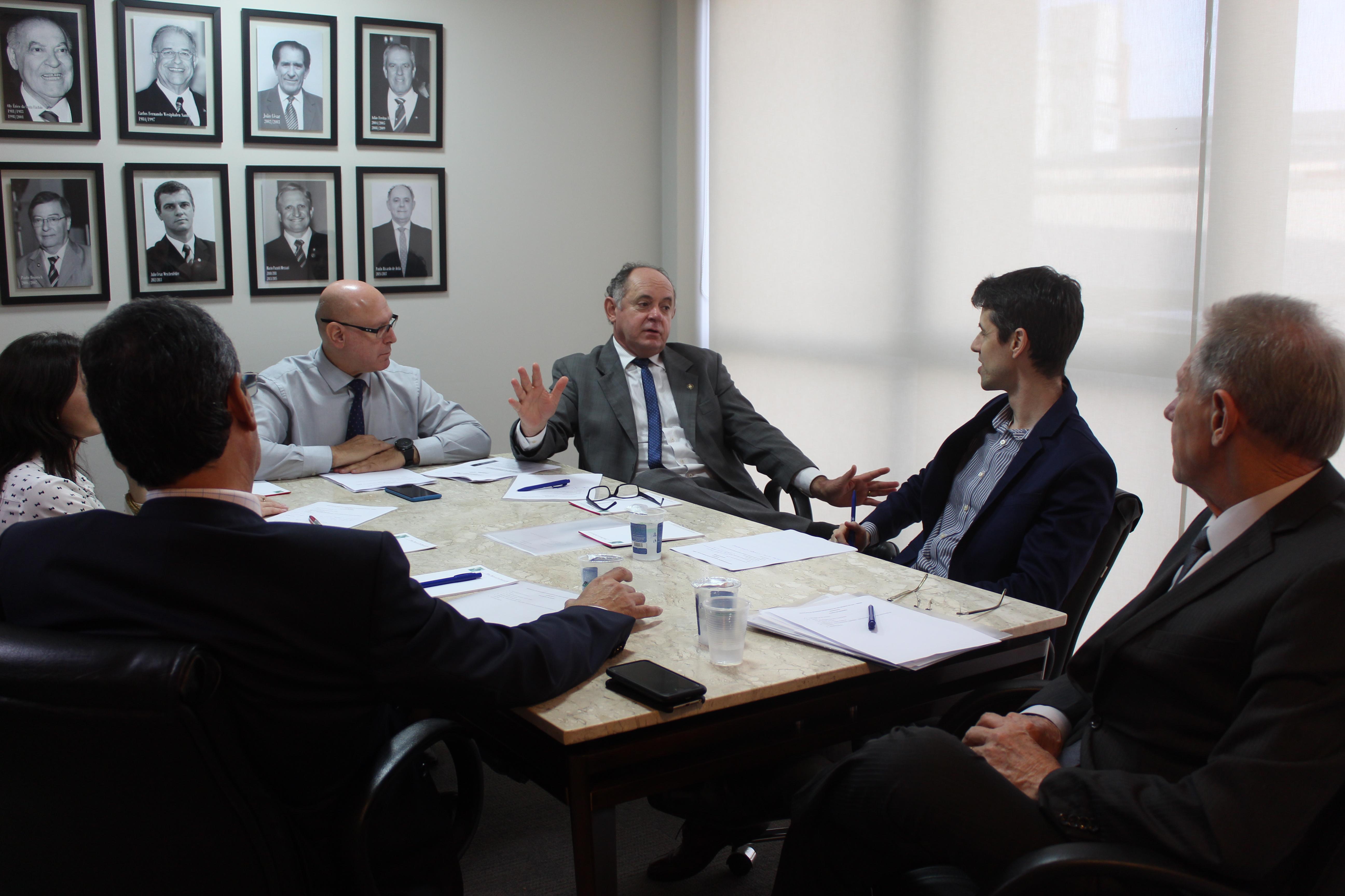 IRIRGS realiza reunião mensal de Diretoria e debate assuntos de interesse da classe