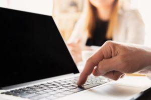 Artigo – Folha Vitória – O paradigma do cliente digital: entenda a evolução do consumidor – Por Thiago Abreu