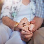 Violência patrimonial contra idosos aumenta 83% durante pandemia
